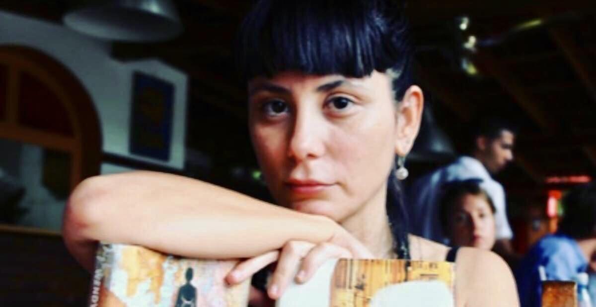 "Escritora Wendy Guerra reta a AMLO a vivir 15 días en Cuba; ""no tendrá derecho a expresarse"", le advierte."